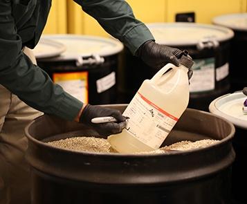 Services de gestion et d'élimination des déchets des poubelles de laboratoire